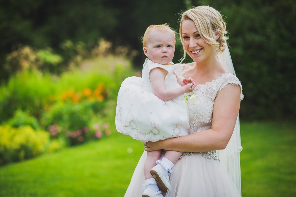 bride with niece