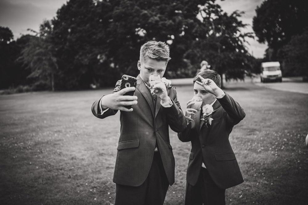 page boy selfie